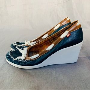 Cute, comfy, wedges - preppy nautical size 8.5